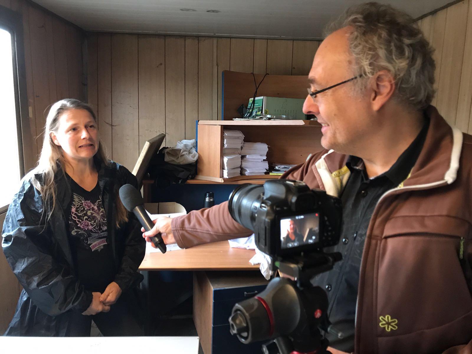 En savoir grâce à ceux qui font le travail pour nous. Ici Mme Christiane Kuntzer de la Compostière du Val-de-Ruz. (Photo: S. Sintz)