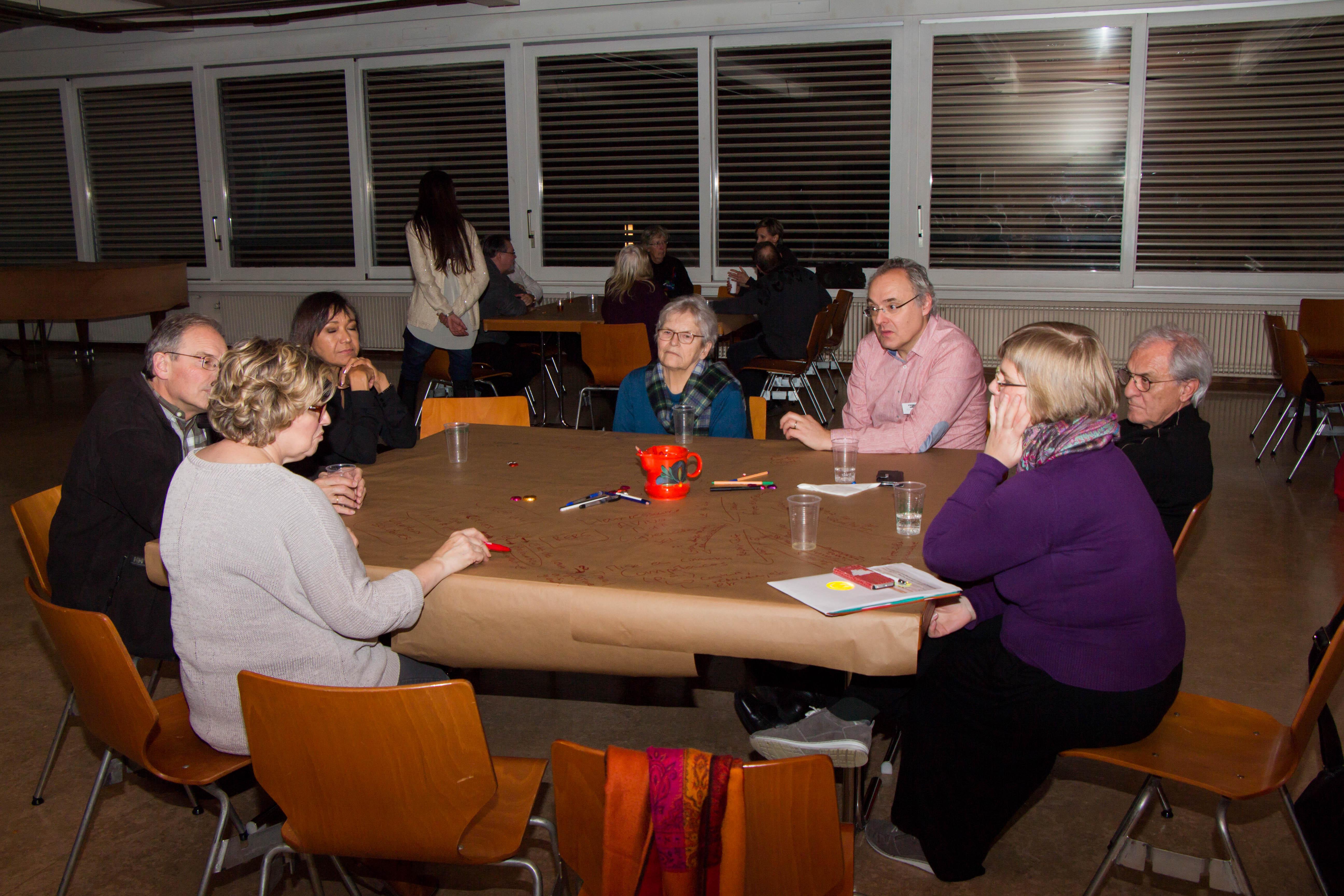 Que faire faire pour mieux vivre entre générations, cultures et conditions de vie différentes? Tel a été le thème de cette 3e assemblée citoyenne qui a lieu le 30 novembre à l'aula des Coteaux.
